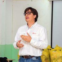 Mauricio Acuña, representante de la Gerencia de Relaciones con la Comunidad de la compañía Doña Inés de Collahuasi.