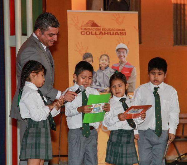 Niños de primer año básico de la Escuela San Andrés de Pica