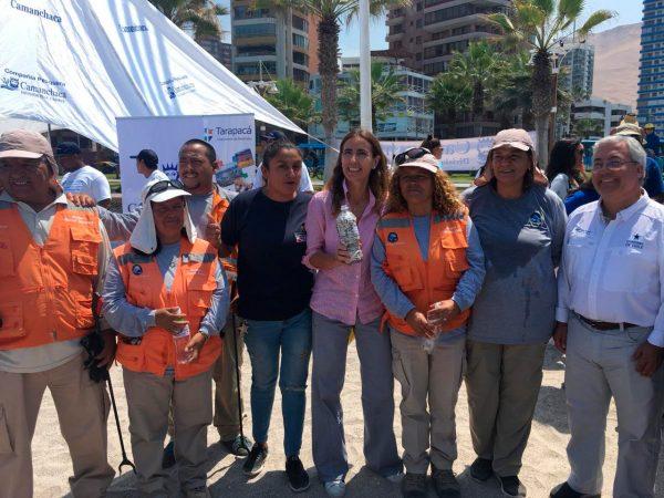 Equipo del programa Cuidado del Entero de la Corporación Norte Grande junto a la Ministra de Medioambiente, Carolina Schmidt.