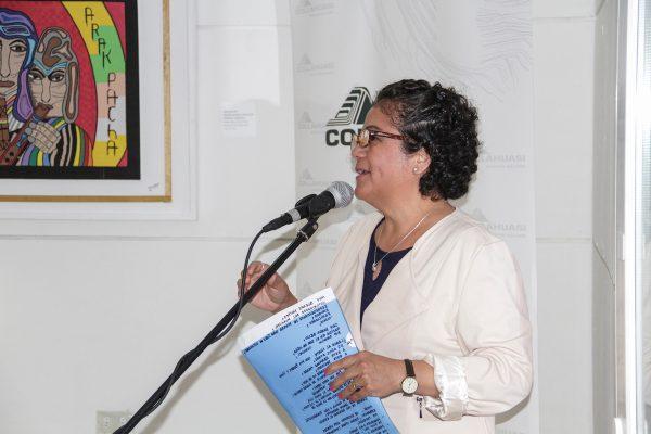 Karen Bello, dando palabras de bienvenida.